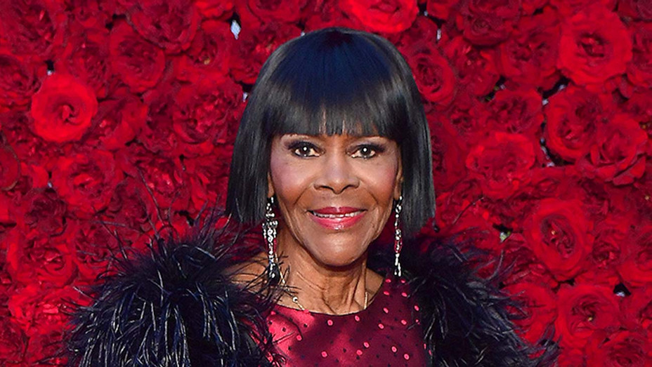 """Gayle King Recalls Cicely Tyson Wanting to Direct, Having Another Project """"Up Her Sleeve"""""""